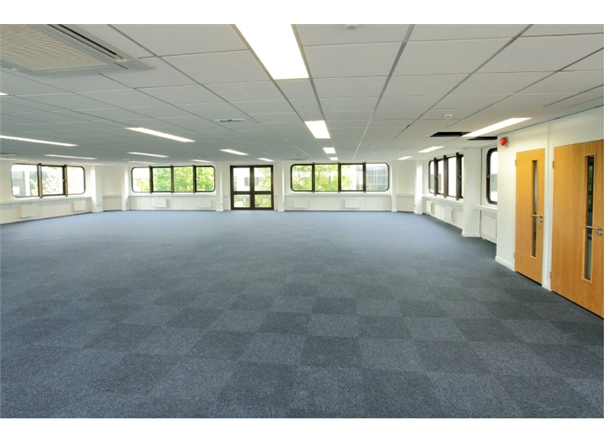 Foyer House Swindon : Property to let avebury house swindon sn hb propertylink